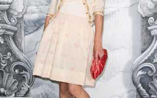 Стиль одежды коко шанель. Стиль Шанель — идеально для женщин любого возраста. Будет в моде вне времени! Брючные костюмы из букле в стиле Шанель.