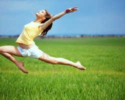 Какую зарядку лучше делать по утрам. Правильная зарядка: какие упражнения можно и нужно делать с утра